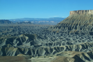 007_Hanksville badlands 2